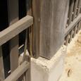 111 柱と基礎石とのズレ