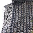 158-1 蛇行する瓦の列