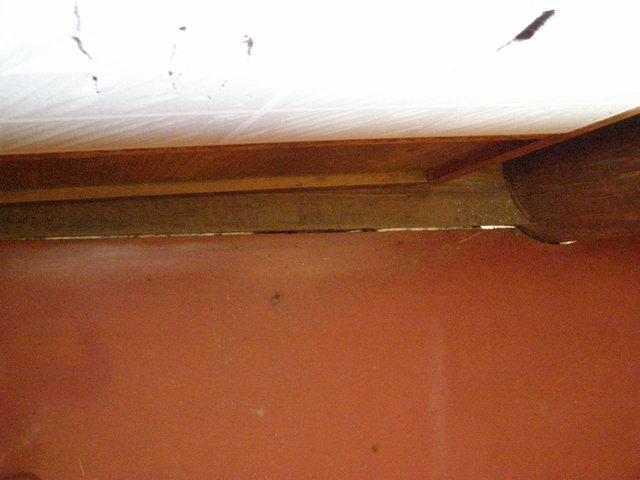519-3 床の隙間