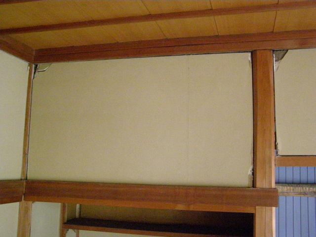 633-3 内壁破損 柱・内壁隙間