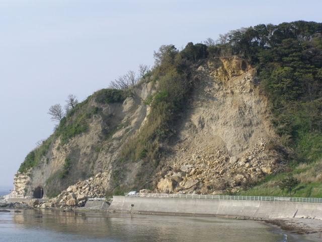 902 袖が浜の崩落した崖
