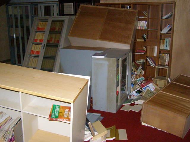 702 書庫(会館2階)